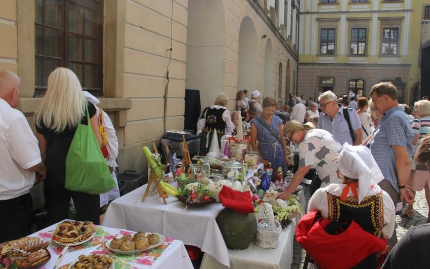 "VII Legnicki Festiwal Kultur ""Kto siedzi na miedzi (-y)?"""
